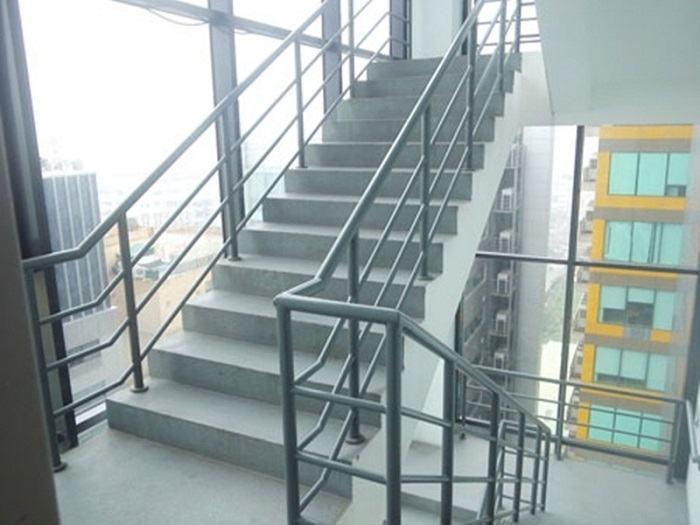 cầu thang thoát hiểm uy tín