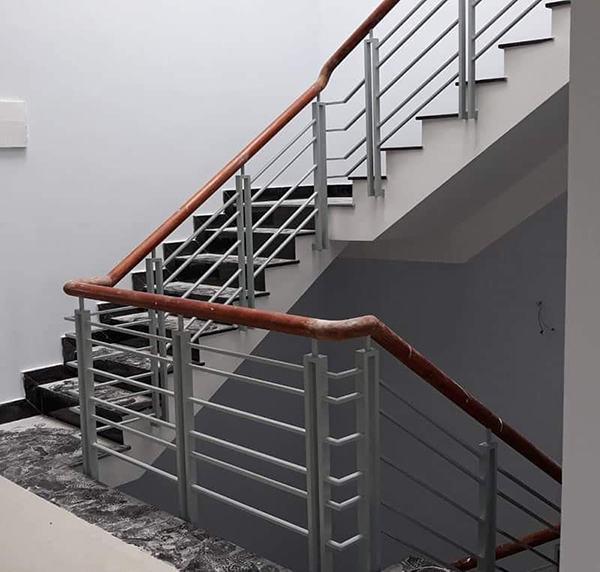 cầu thang sắt 2